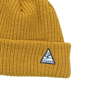 YOUTH TRIANGLE BEANIE MUSTARD
